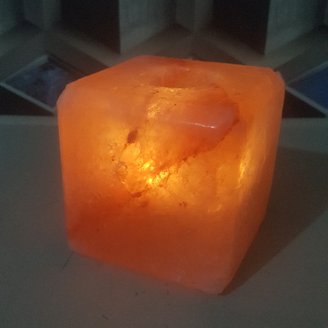 himalayan cube candle holder with light